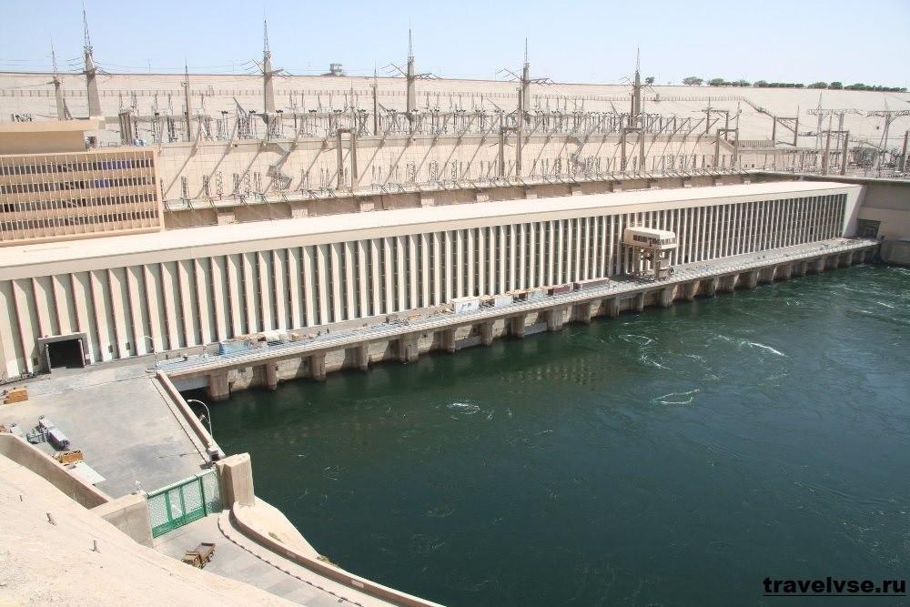 Асуанский гидроузел (плотина)