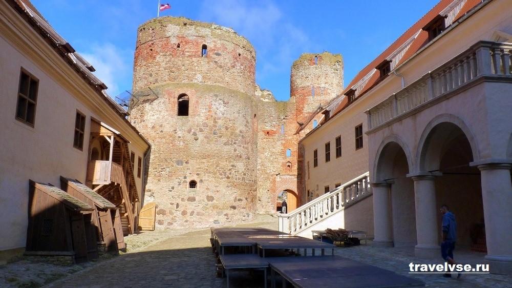 Бауский замок