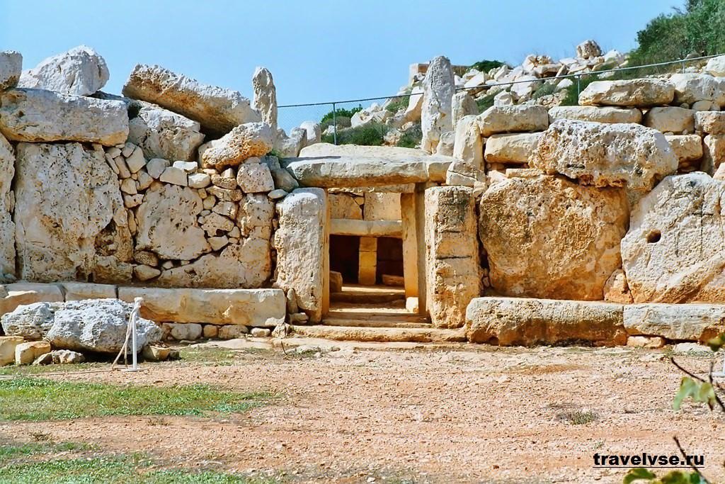 Мегалитический храмовый комплекс Мнайдра