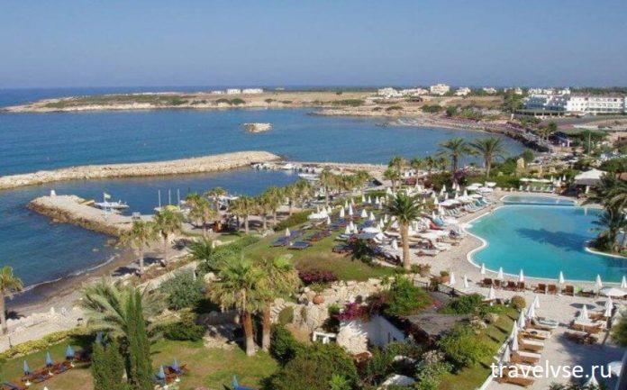 за территорию кипрских гостиниц