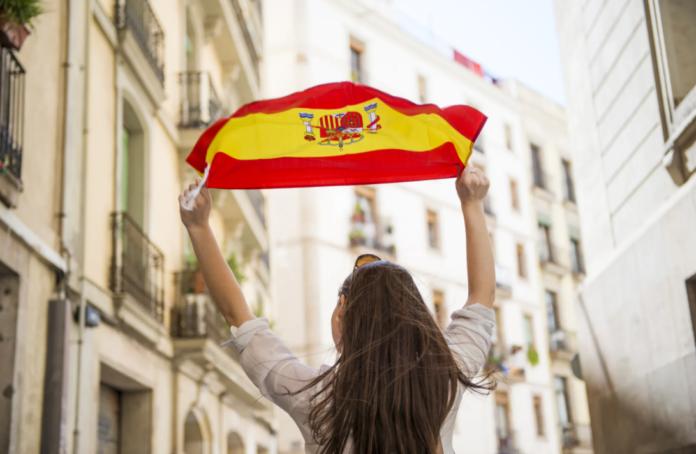 Испания будет готова принять первых туристов уже в начале этого лета